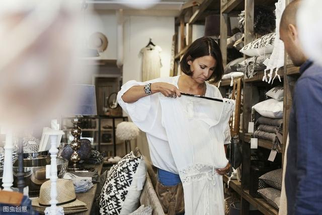 想卖服装有什么技巧(做服装销售需要掌握哪些